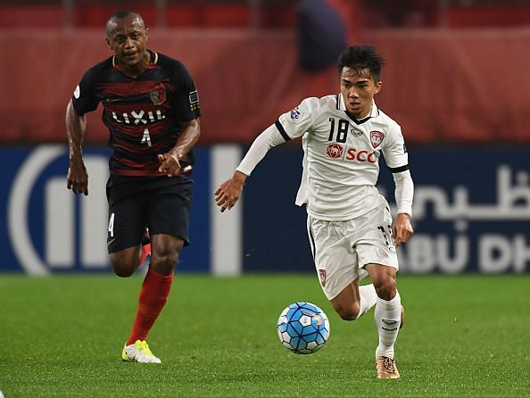 Chanathip Songkrasin turning out for Muangthong United