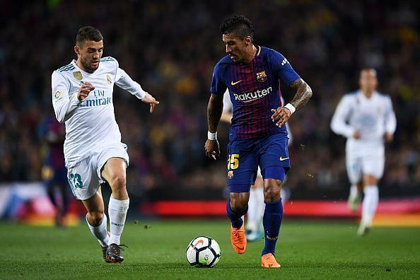 Paulinho in action for Barcelona