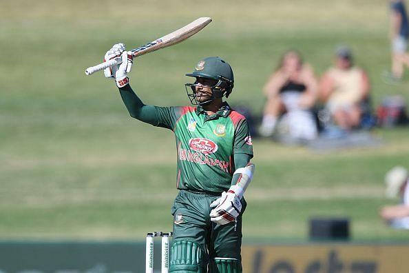Mithun scored fifty Mahmudullah takes review for williamson
