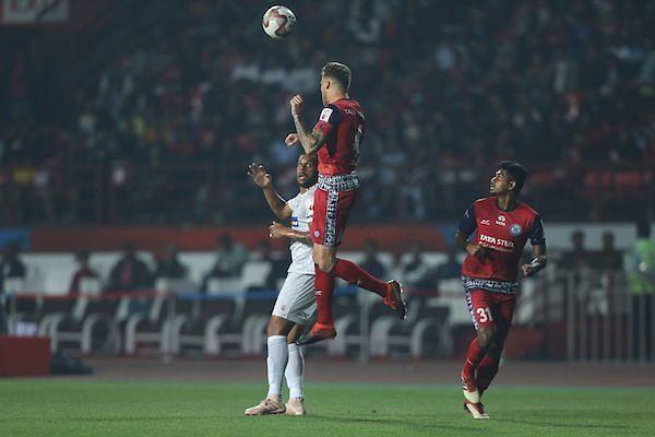 Both Bengaluru and Jamshedpur gave chances away cheaply