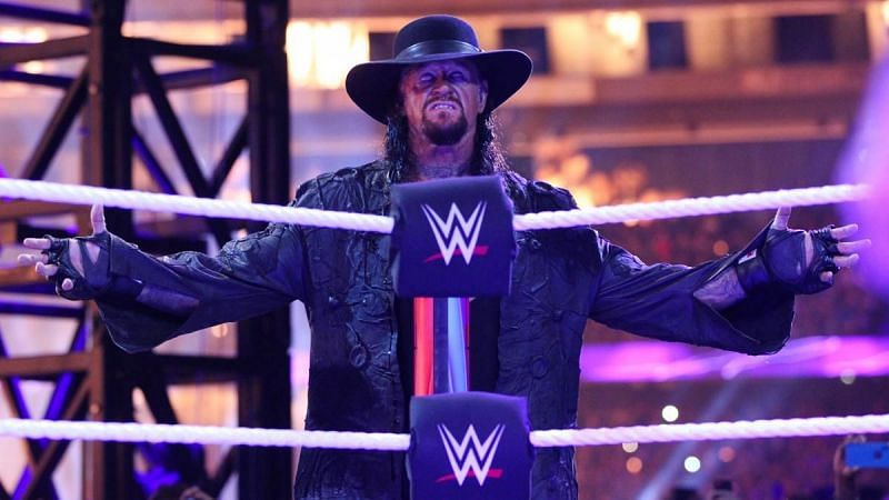 Elias took a cheap shot at The Undertaker