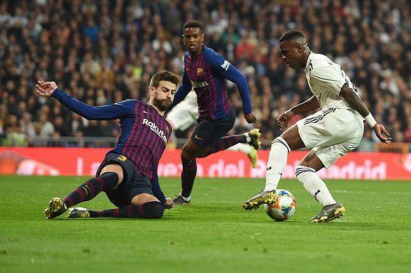 Vinicus junior dribbling past elite defenders