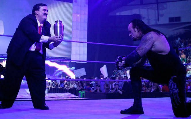 Paul Bearer used to manage The Undertaker!