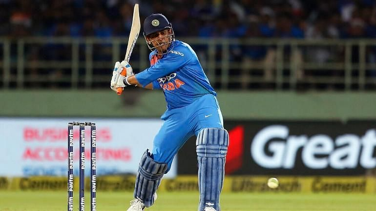 Mahindra Singh Dhoni struggled in first t20