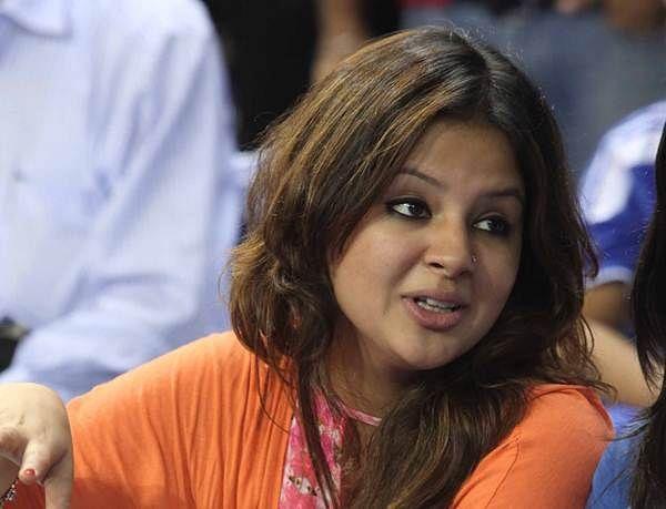 Sakshi Dhoni fails to answer Mohit Sharma