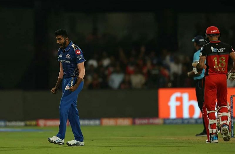 Bumrah bowled an accurate short delivery to dismiss Kohli (picture courtesy: BCCI/iplt20.com)