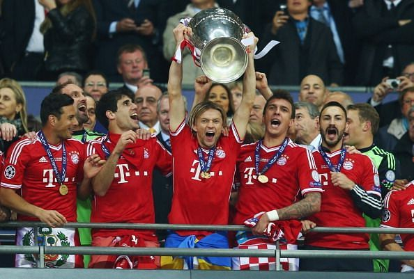 Bayern Munich players celebrate lifting the UCL in 2013