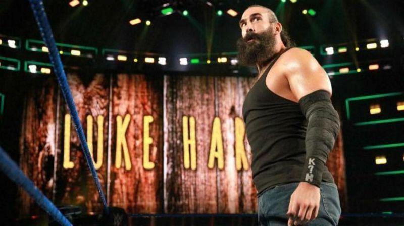 WWE में रिंग मौजूद ल्यूक हार्पर