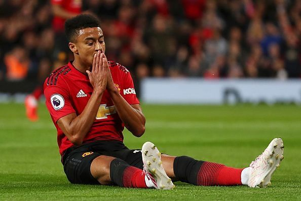 Lingard misses from close range