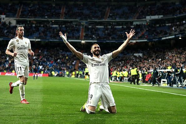 Benzema celebrates his winner against SD Huesca