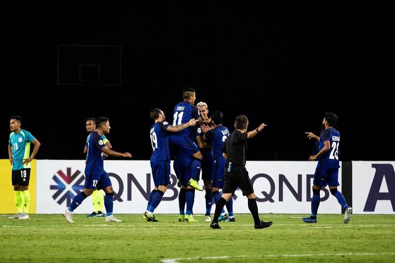 Chennaiyin players celebrate after the second goal scored by Mailson Alves