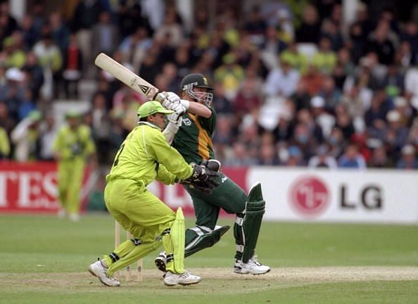 Lance Klusener and Moin Khan set this match alight.