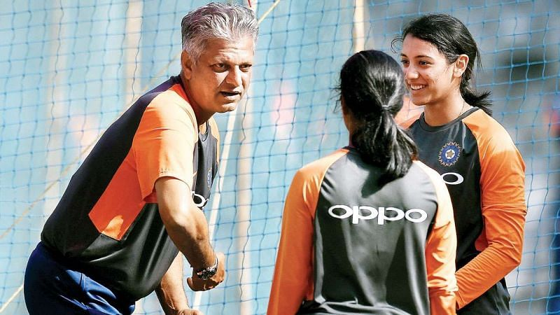 W.V.Raman gives batting tips