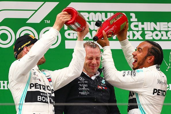 Hamilton and Bottas show how it