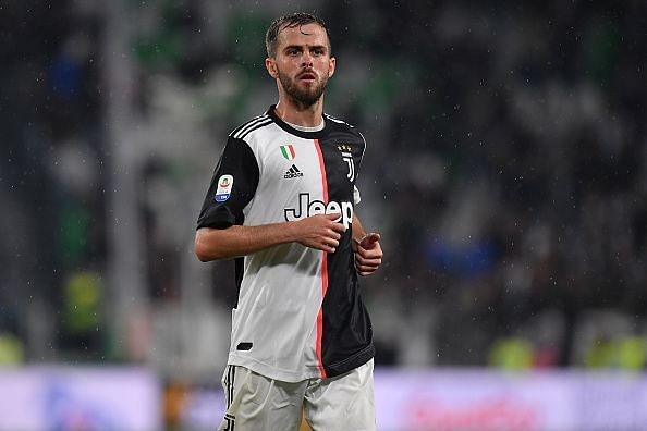 Juventus might swap Pjanic for Manchester United target