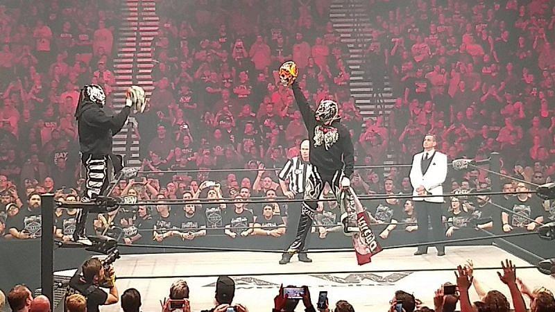 Young Bucks vs Lucha Brothers
