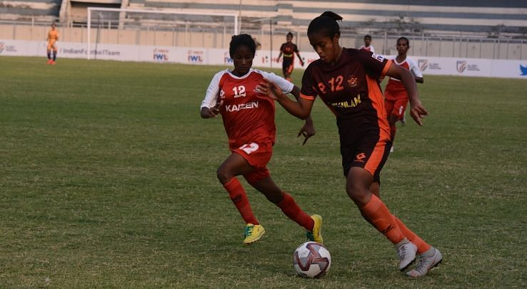 Action from the Gokulam Kerala vs Rising Student Club match in the Indian Women