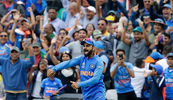 Virat kholi celibriates Indian team victory against Australia