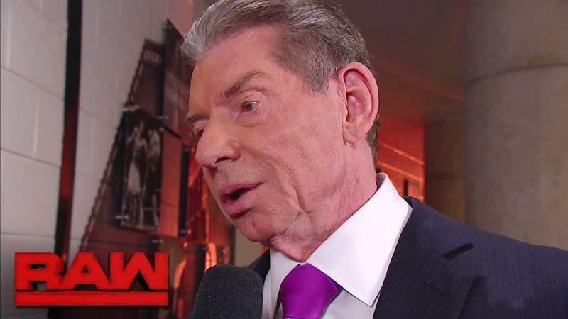 विंस ने दो सुपरस्टार्स को WWE छोड़ने से रोका