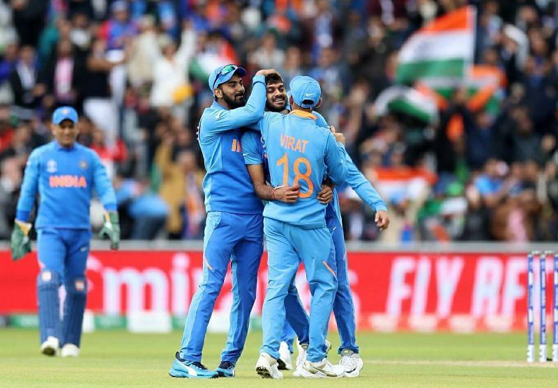 Indian cricketer - vijay shankar picks 2 wickets against pakistan