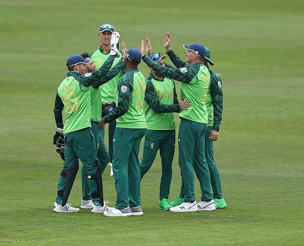 दक्षिण अफ्रीका विश्व कप के सेमीफाइनल की रेस से बाहर
