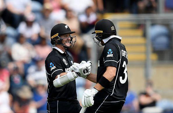 Colin Munro and Martin Guptill celebrate their 100-run partnership v Sri Lanka