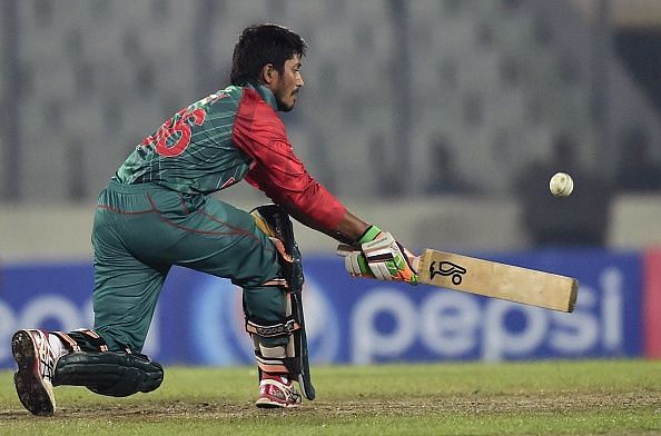 Anamul Haque attempts a reverse sweep