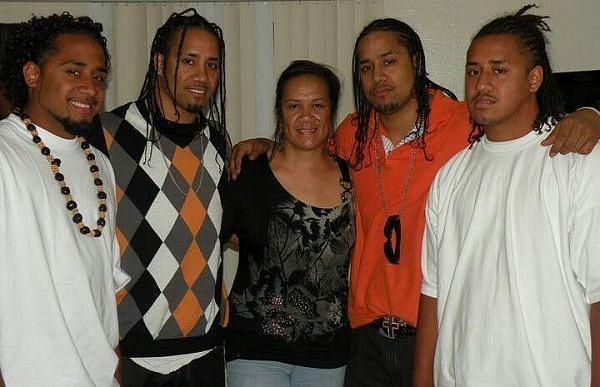 jey uso family