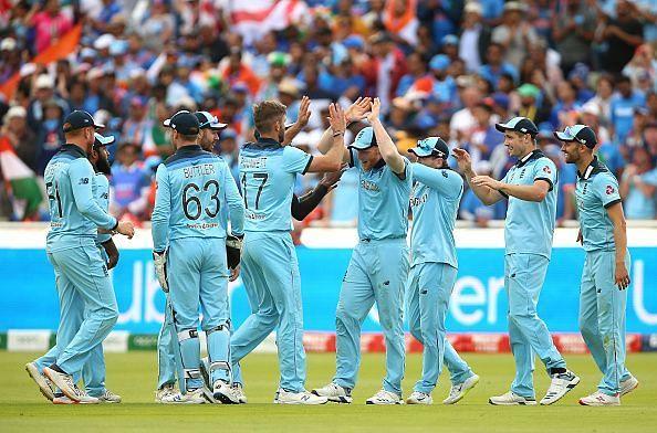 इंग्लैंड ने भारत का विजयी रथ रोका