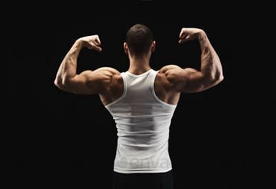 Strong trapezius muscle along with powerful deltoids leads to an enhanced upper body physique
