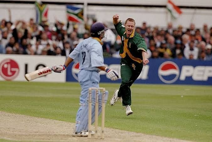 Both Sachin Tendulkar and Lance Klusener have been awarded man of the series in World Cups