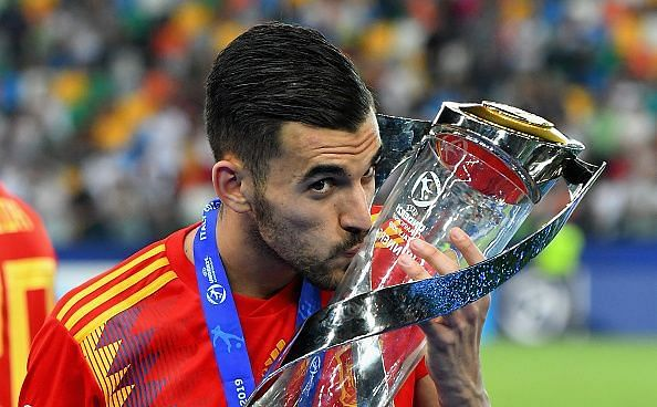 Dani Ceballos has signed for Arsenal on a 1-year loan deal