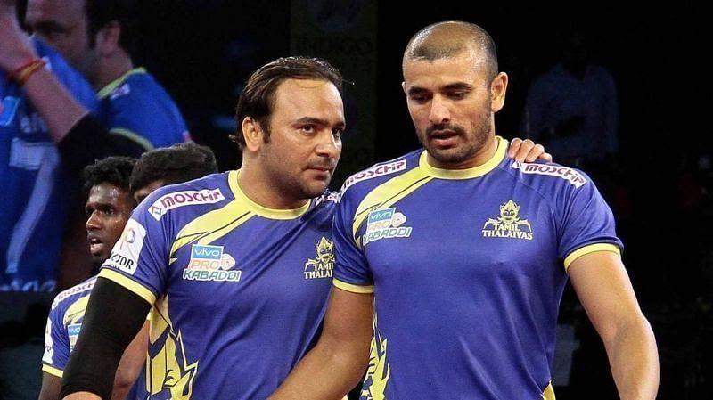 Manjeet Chhillar and Ajay Thakur with the Tamil Thalaivas team in the Pro Kabaddi League