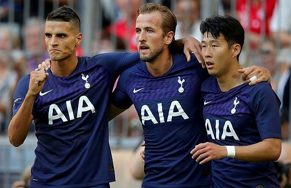Tottenham players celebrate Har