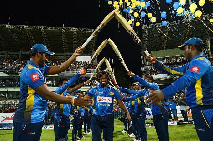 A Gaurd of Honour for Malinga in his last ODI