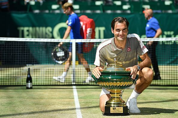 Federer brings up his first double digit title haul at the Noventi Open in Halle