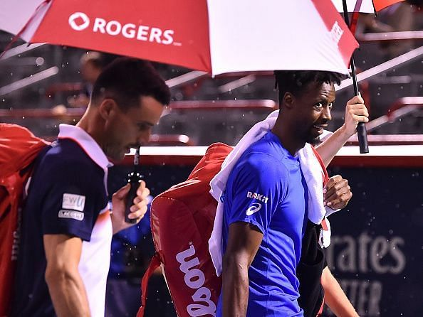 Bautista Agut and Monfils walk off court after rain suspends their quarterfinal after just 2 points