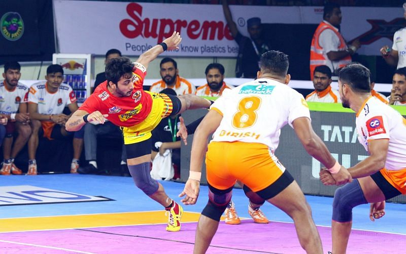 Puneri Paltan won a close-called match against the Gujarat Fortune Giants with the score 33-31