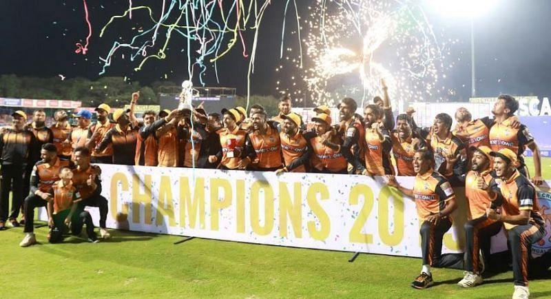 Hubli Tigers celebrate their title win
