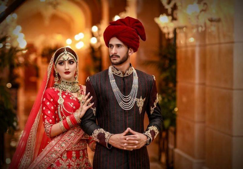 हसन और शामिया की फोटोज सोशल मीडिया पर खूब वायरल हो रही हैं।