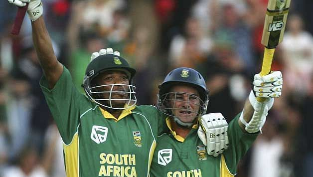 Makhaya Ntini remained unbeaten on 42 while Albie Morkel too was unbeaten on 23 as South Africa posted a below par 186 for 9 in their 50 overs