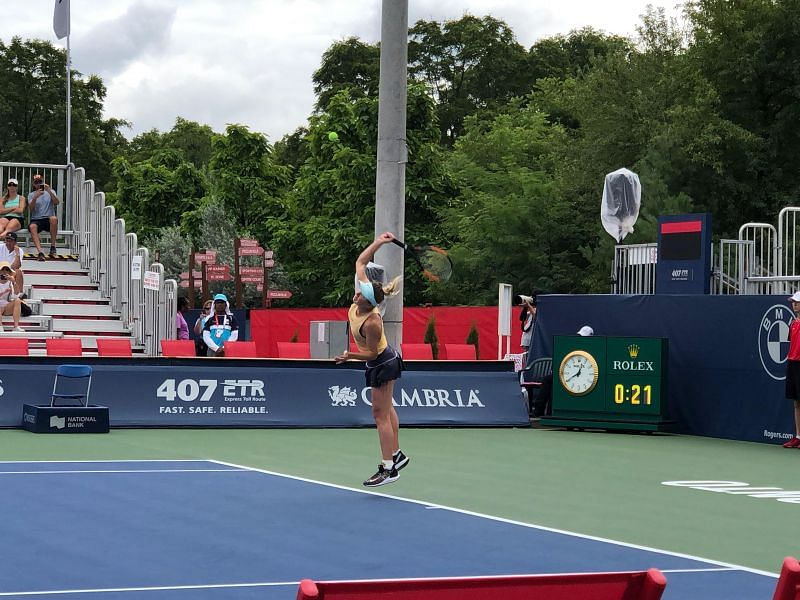 Elina Svitolina kept her eyes focused on victory against Belinda Bencic at the Rogers Cup (original picture taken by the writer)