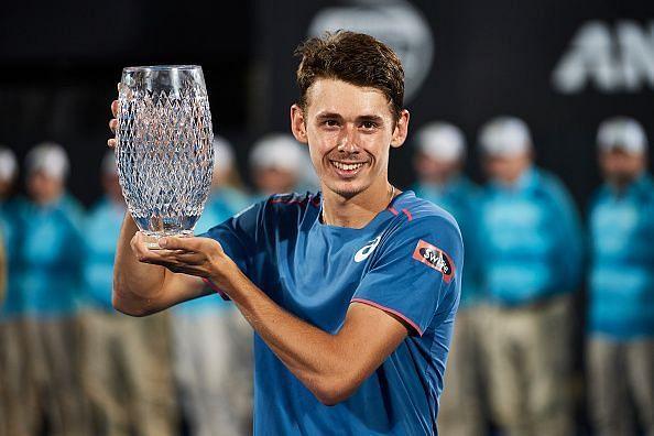 De Minaur lifts his first singles title at 2019 Sydney.
