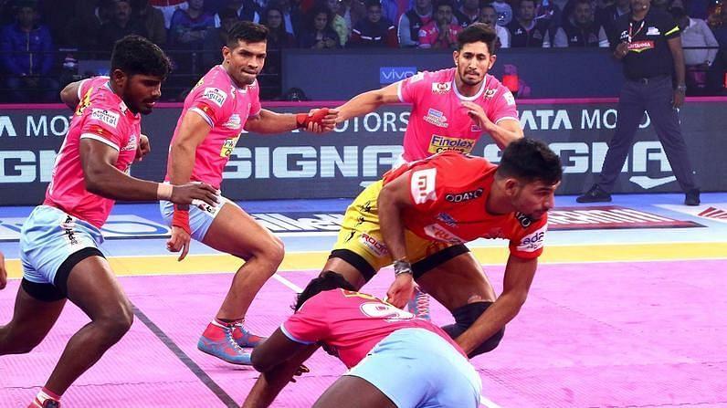 Gujarat Fortune Giants seek to retaliate tonight against Jaipur Pink Panthers.