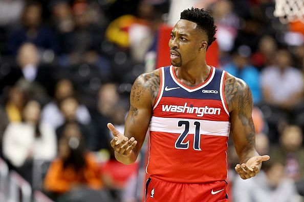 Will Dwight Howard start for the Los Angeles Lakers?