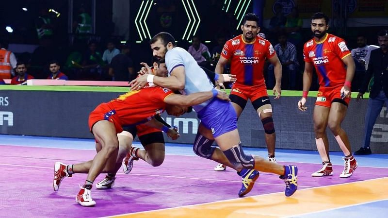 Ajay Thakur salvaged a draw with the final raid of the match