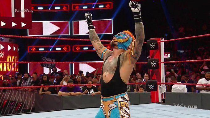 रे मिस्टीरियो को मिला WWE यूनिवर्सल टाइटल शॉट