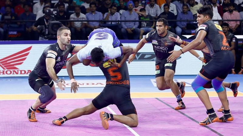 Can the Thalaivas escape from the clutches of the U Mumba defende?
