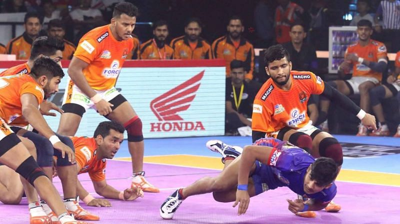 Can Naveen continue his brilliant run against Pune?