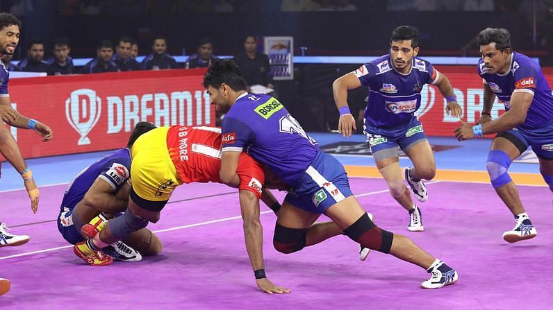 Haryana Steelers became the third team to qualify for the playoffs after edging past Gujarat Fortune Giants